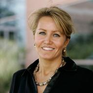 Kim Whitler faculty headshot